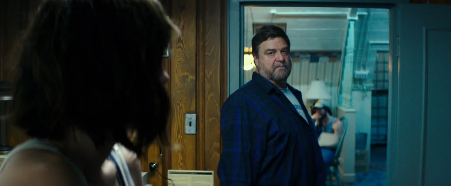 the captain takes a look at bad robot s 10 cloverfield lane